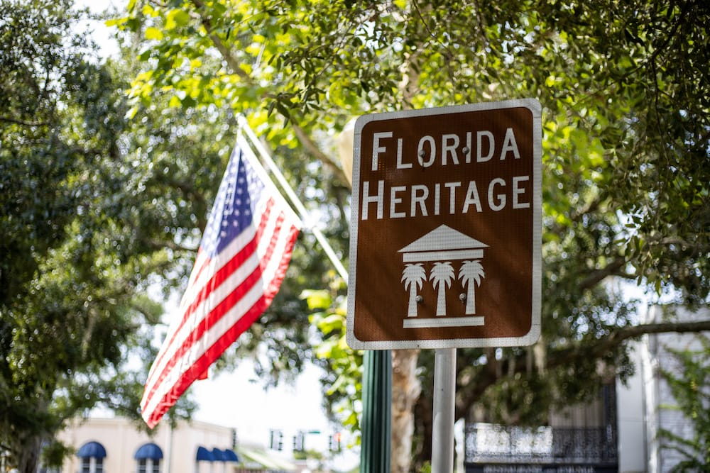 Florida Heritage sign with American Flag